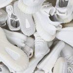 """【2018年9月21日発売!】YEEZY BOOST 350 V2 """"TRIPLE WHITE""""が100万足リストック!?"""
